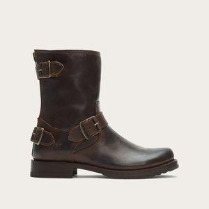 FRYE Veronica Back-Zip Short Boot